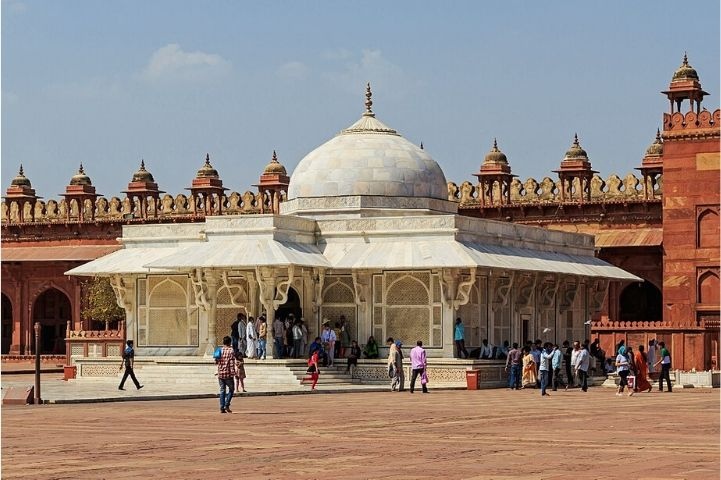 Sufi Dargah Manori